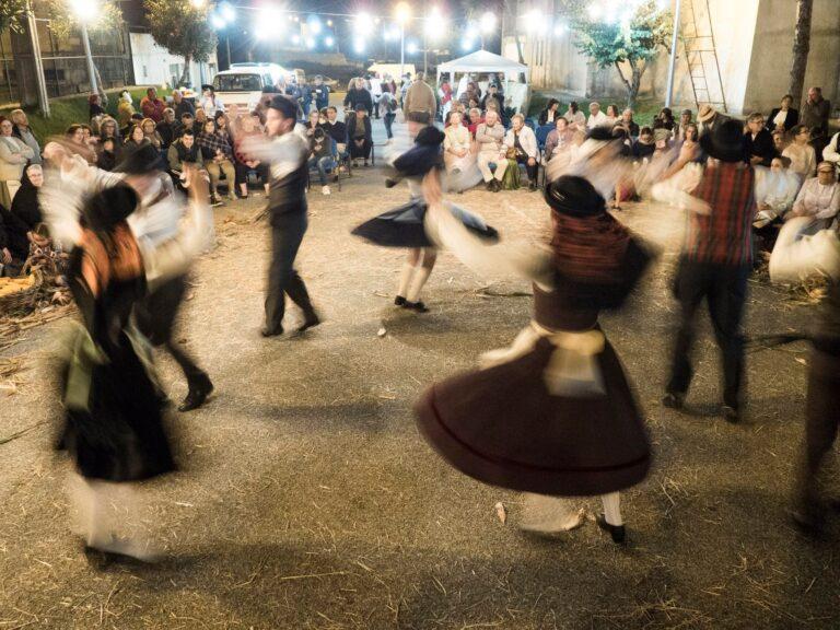 dança tradicional desfolhada
